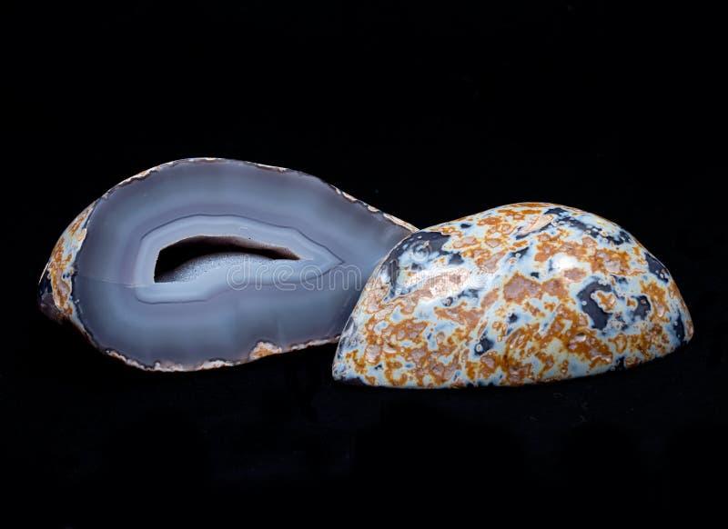 Geoda azul parcialmente pulida de la ágata del cordón imágenes de archivo libres de regalías