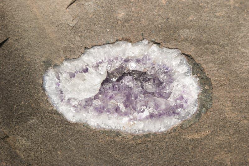 Geode in der Decke lizenzfreies stockfoto
