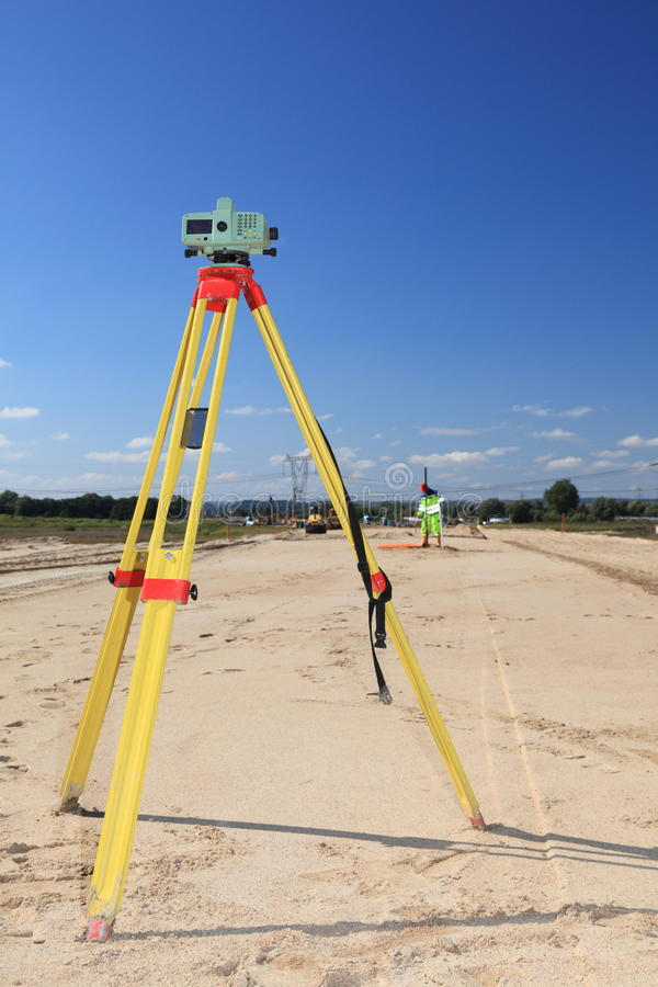 Geodesist che cattura misura immagini stock