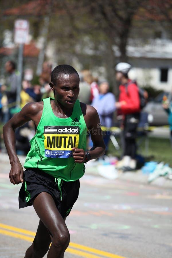 Geoffrey Mutai ganha a maratona de Boston fotos de stock royalty free