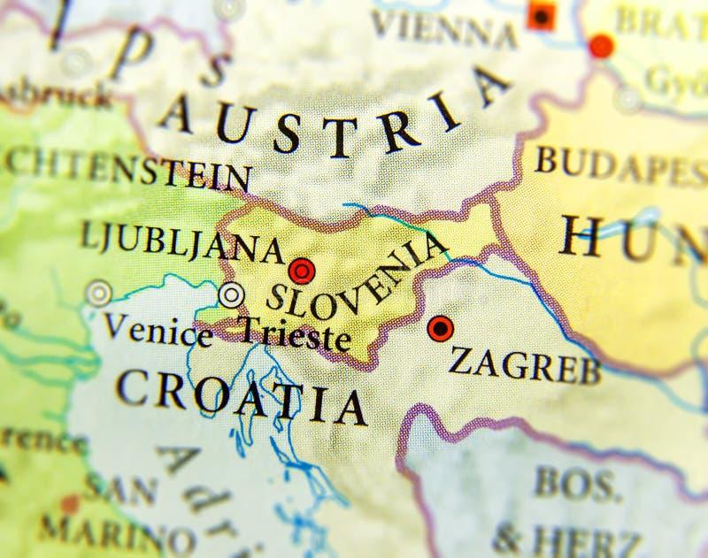 Geografisk översikt av det europeiska landet Slovenien med viktiga städer arkivbilder