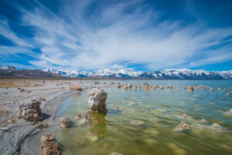 Geologia do lago california mono fotografia de stock royalty free