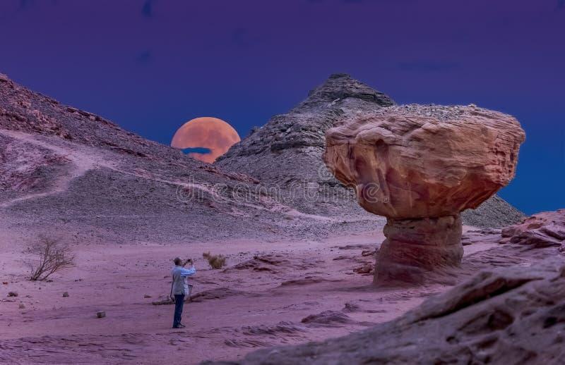 Geological formacje w natury pustyni dolinie Timna park, Izrael zdjęcie royalty free