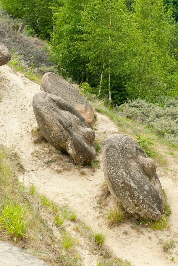 Geologische Bildung Babele de la Ulmet des Rocks der runden Form, der als trovanti bekannt ist, bleibt vom prähistorischen Meeres stockbild