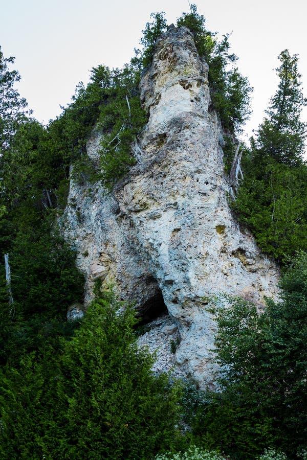 Geologische Bildung von Archs-Rock auf Mackinac-Insel Michigan lizenzfreies stockfoto
