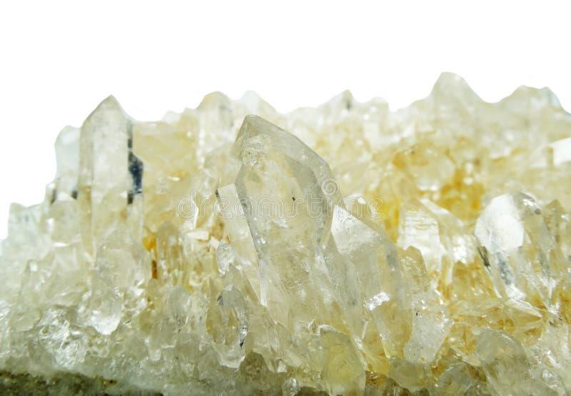 Geologische Kristalle der klaren ctystal Quarz-Druse des Felsens lizenzfreie stockfotografie