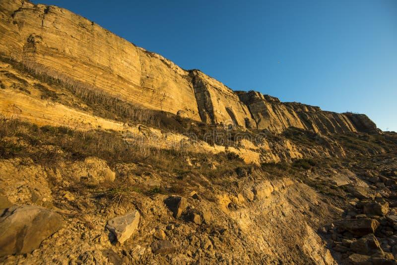 Geologischer Beweis der Klippenabnutzung bei Hastings, Ost-Sussex, England lizenzfreie stockbilder