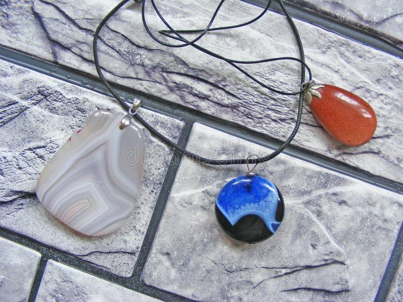 Geologisches Mineral der Quarz avanturine Sodalitelasurstein-Kristalle stockbilder