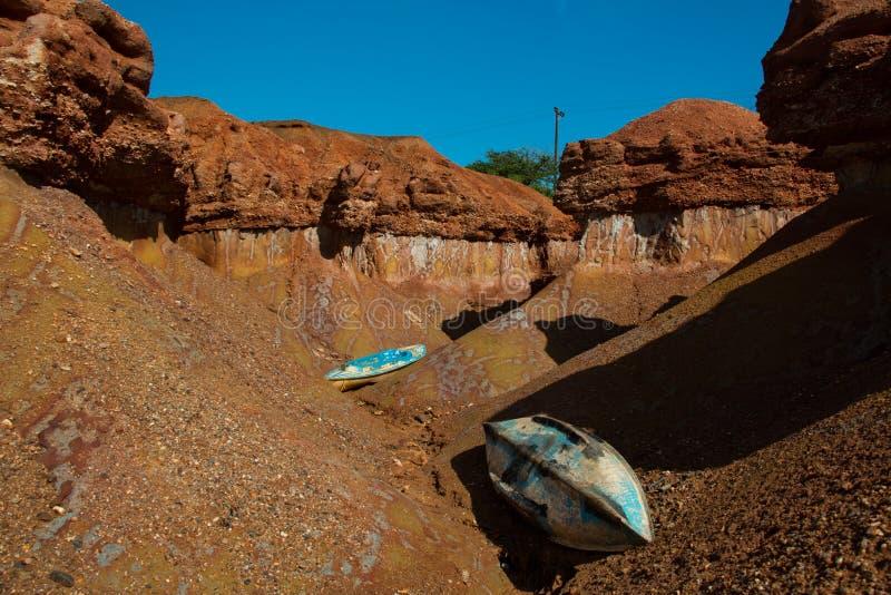 Geologisk erosion bildade vid vind och vatten på den Coche ön, i det venezuelanska karibiskt arkivfoton