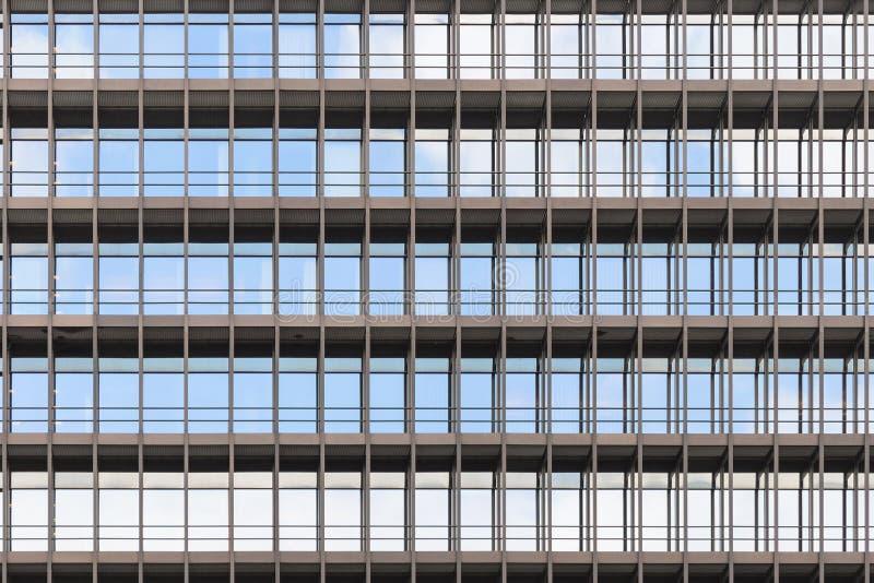 Geometrisch korrekter Architekturhintergrund des modernen Büros lizenzfreie stockfotos