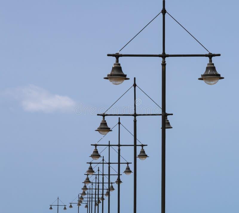 Geometrische Lampposten in Fuerteventura, Spanje royalty-vrije stock foto's