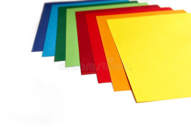 Geometrische samenstelling van verschillende heldere vellen papier Geschikte achtergrond voor uw ontwerp, presentatie, brochure,  royalty-vrije stock fotografie