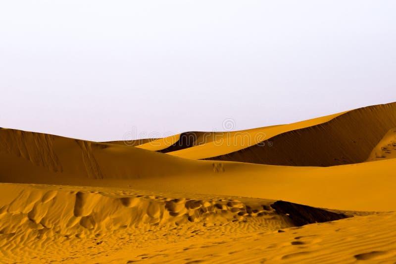 Geometrische Sanddünen stockbild