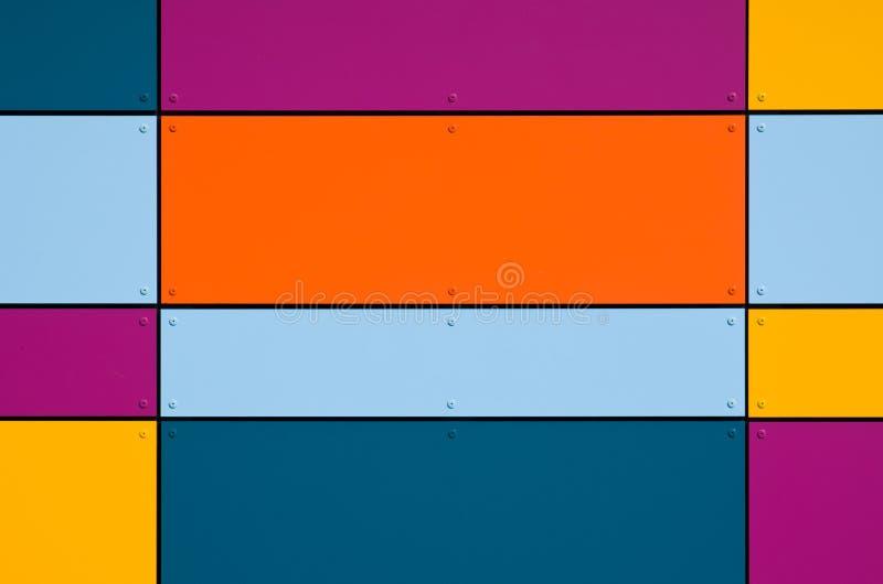 geometrisk färgrik facade arkivbild