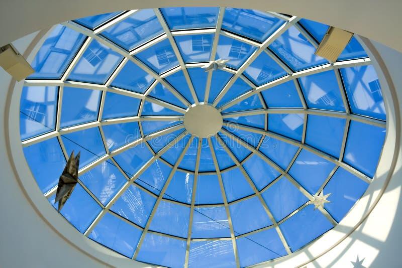 geometriskt abstrakt blått tak arkivbild
