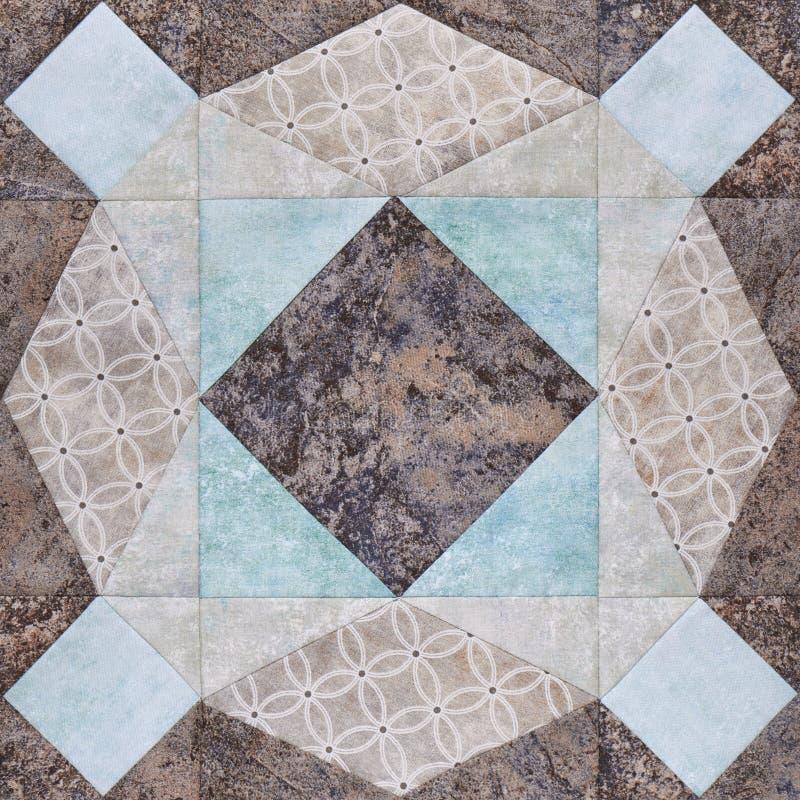 Geometriskt kvarter för patchwork från stycken av tyger, detalj av täcket fotografering för bildbyråer