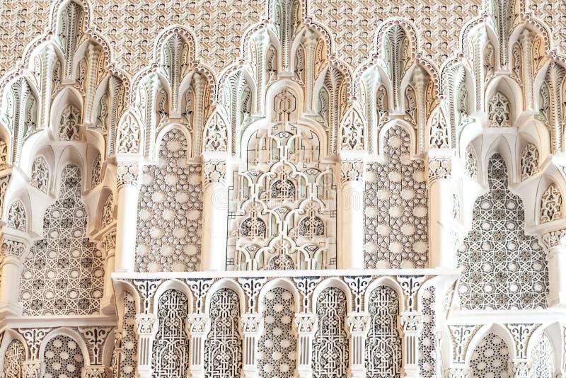 Geometryczni wzory: Szczegółu królewiątka Hassan II meczet, Casablanca, Maroko zdjęcia royalty free