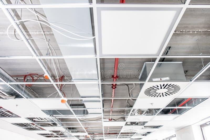 Geopend gehangen plafond royalty-vrije stock foto