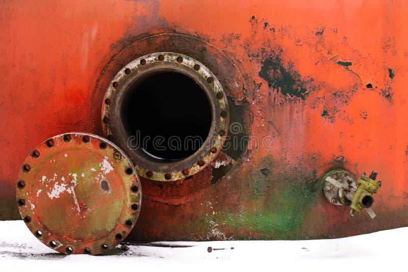 Geopend roestig mangat stock foto's
