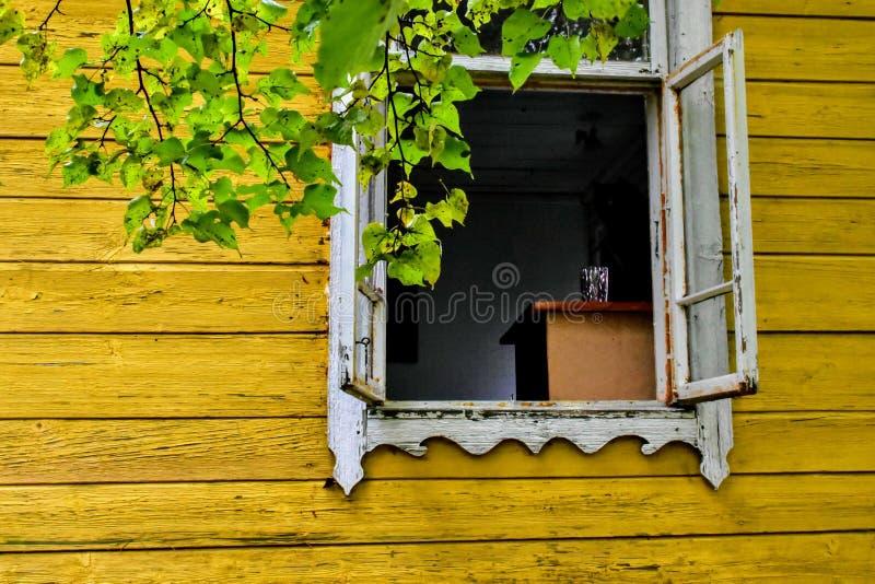 Geopend venster stock fotografie