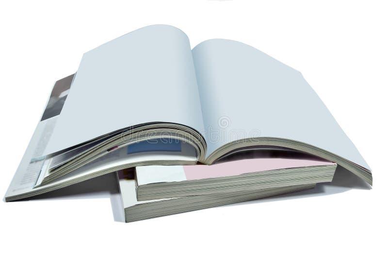 Geopende blanco pagina's van tijdschrift of boek, catalogus op whit stock afbeelding