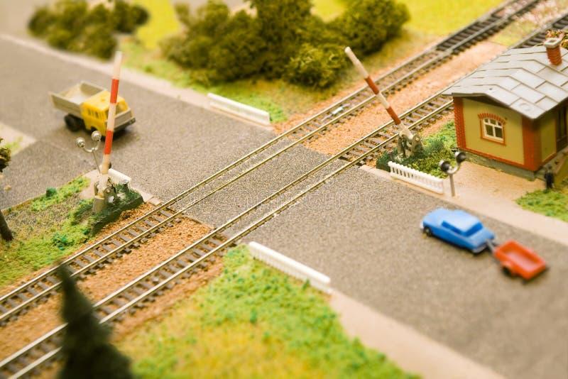Geopende stuk speelgoed spoorwegovergang royalty-vrije stock afbeelding
