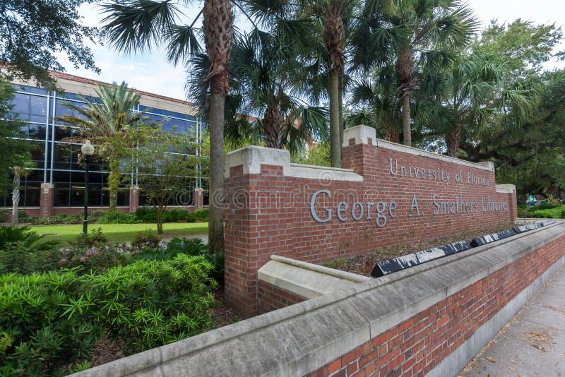 George Α Βιβλιοθήκες Smathers στο πανεπιστήμιο της Φλώριδας στοκ φωτογραφία με δικαίωμα ελεύθερης χρήσης