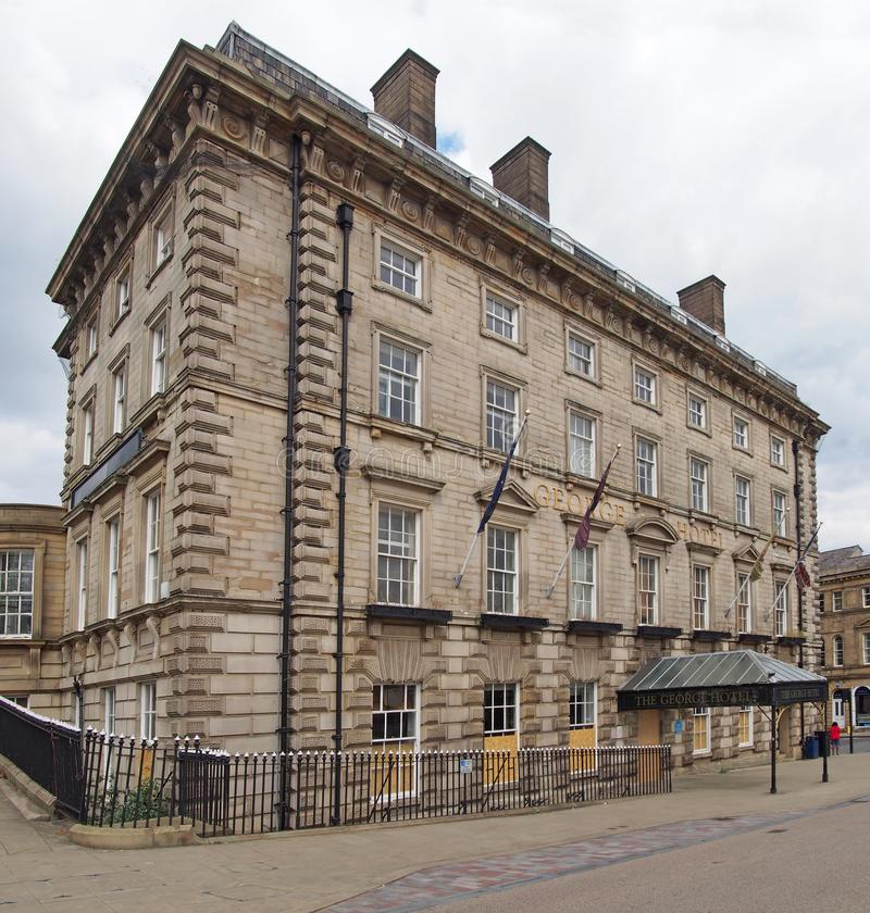 George Hotel i v?stra Huddersfield - yorkshire, en historisk byggnad som ?r ber?md som f?delseorten av rugbyligafotboll som in by arkivbild