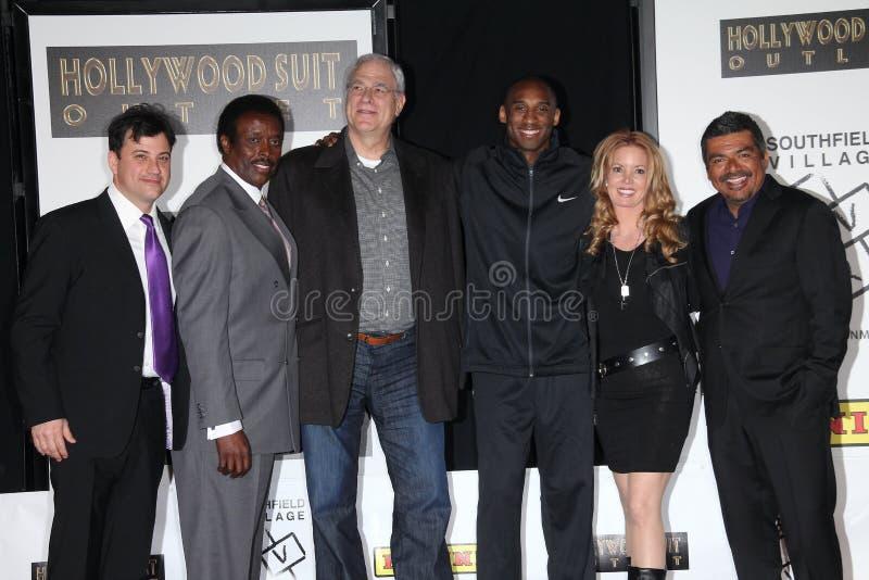 George Lopez, Jim Hill, Jimmy Kimmel, Kobe Bryant, Phil Jackson, Jacksons, Jeanie Buss stock afbeelding