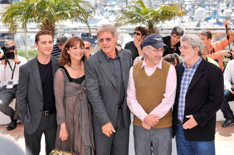 George Lucas, Harrison Doorwaadbare plaats, Karen Allen, Sjiïtisch La Beouf, Steven Spielberg stock foto's
