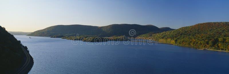 George W Perkins Memorial Drive en parc d'état de montagne d'ours, Hudson River Valley, New York image libre de droits