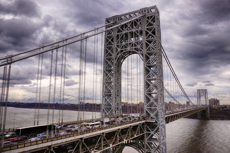 George Washington Bridge Under Cloudy Skies imagenes de archivo