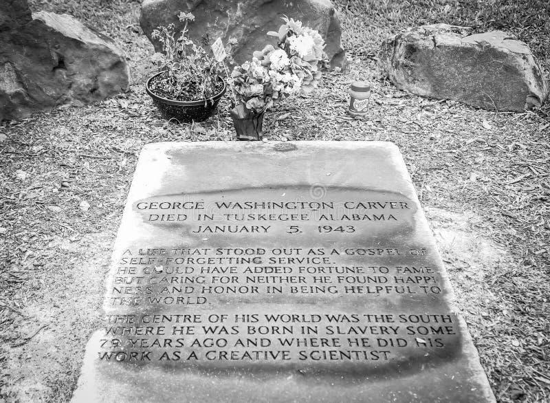 George Washington Carver Grave Site en blanco y negro imagenes de archivo