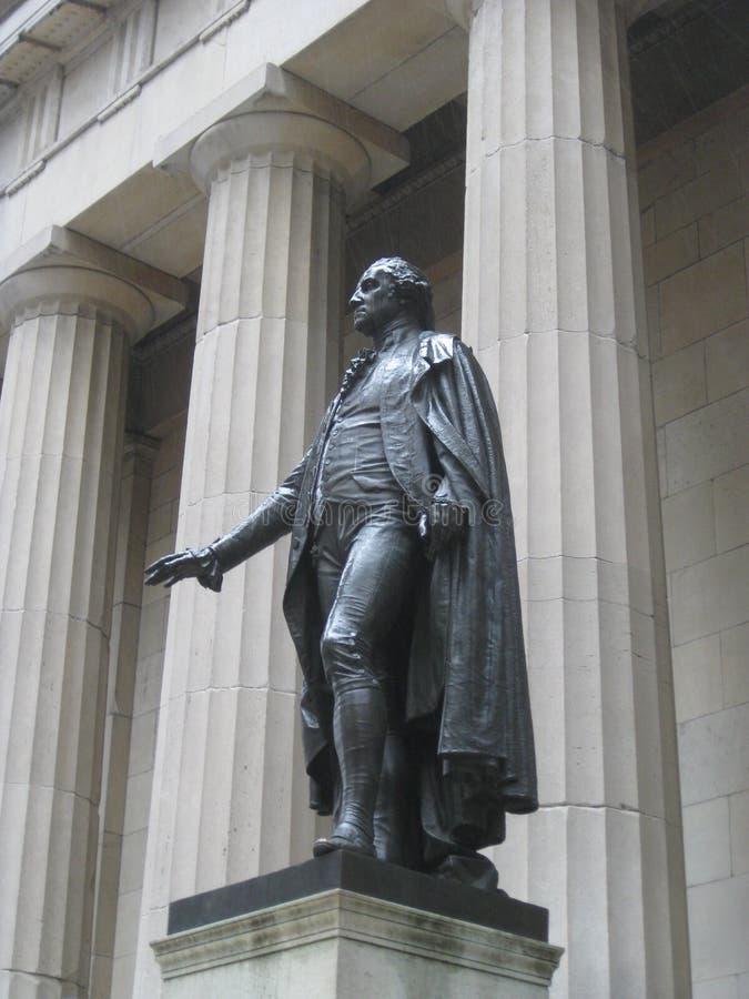 George Washington przy Federacyjnym Hall Krajowym pomnikiem w w centrum Manhattan, Nowy Jork obraz royalty free