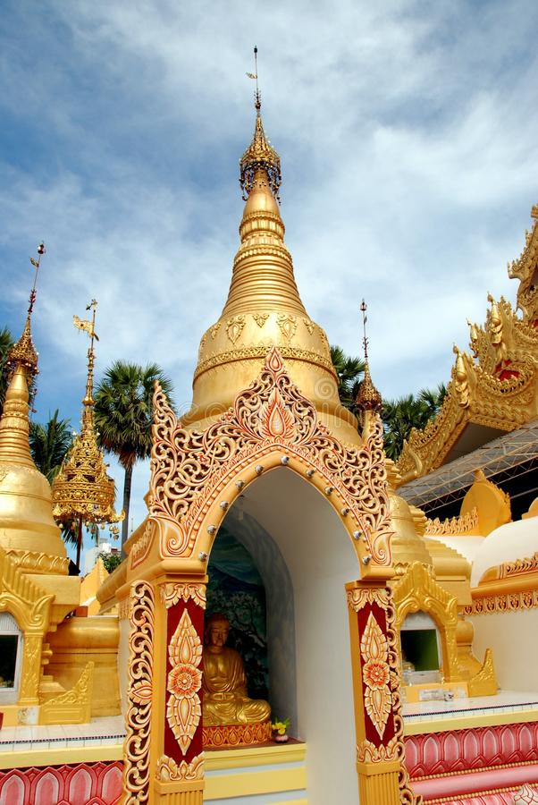 Georgetown, Malaysia: Templo do birmanês de Dhammikarama imagens de stock royalty free