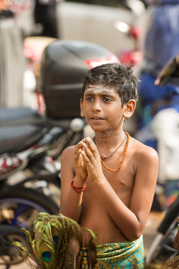 Georgetown Penang, Malaysia - Februari 9, 2017: Ung pojke som a royaltyfria bilder