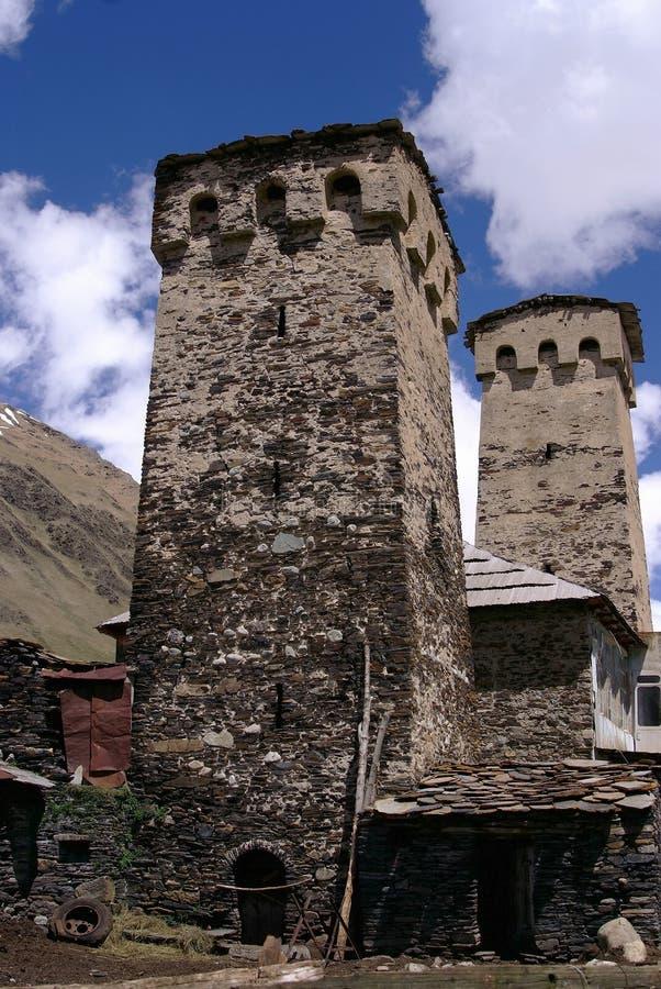 Georgia Svaneti står högt i berg arkivfoto