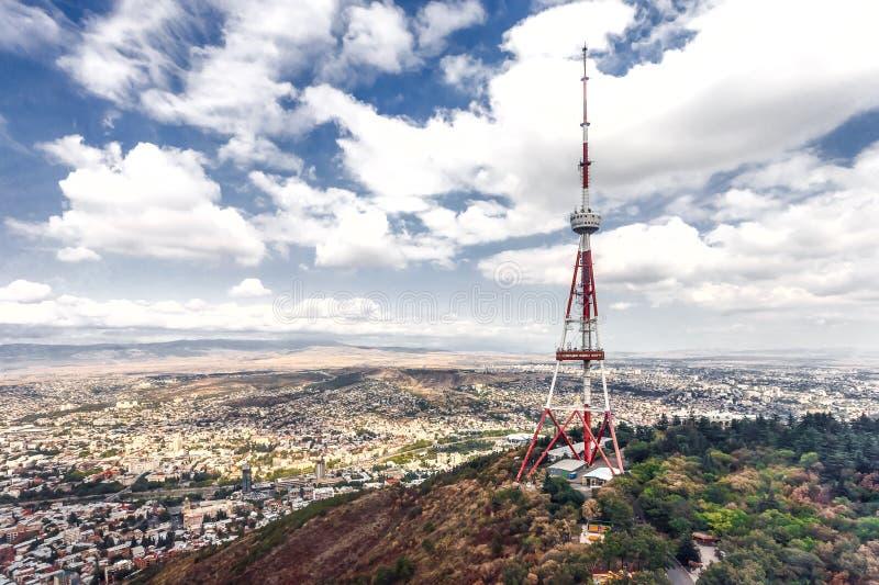 Georgia Tbilisi-het uitzenden van TV toren stock foto's