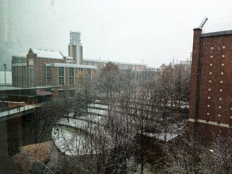 Georgia Tech-gebouwen tijdens het sneeuwonweer royalty-vrije stock foto's