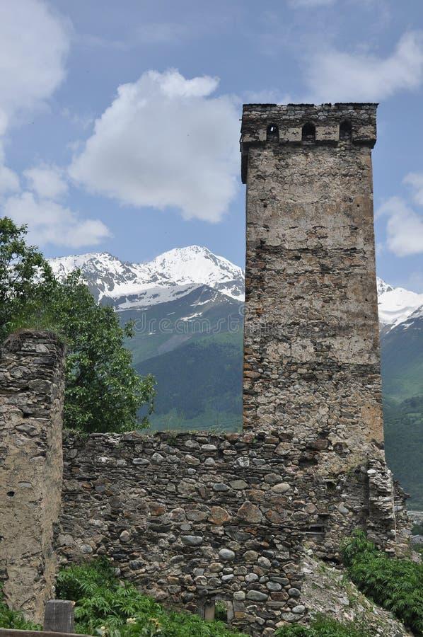 Georgien Swankturm Wohnungsbau in den Bergen defensiv Kaukasus stockfotos