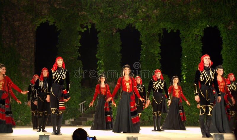 Georgisk dansgrupp royaltyfri fotografi