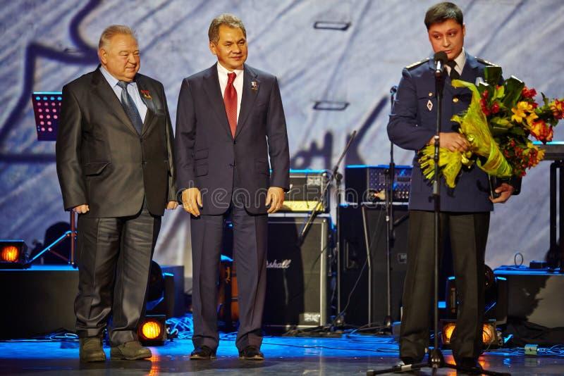 Georgy Grechko, Sergei Shoigu en Roman Lizalin royalty-vrije stock fotografie