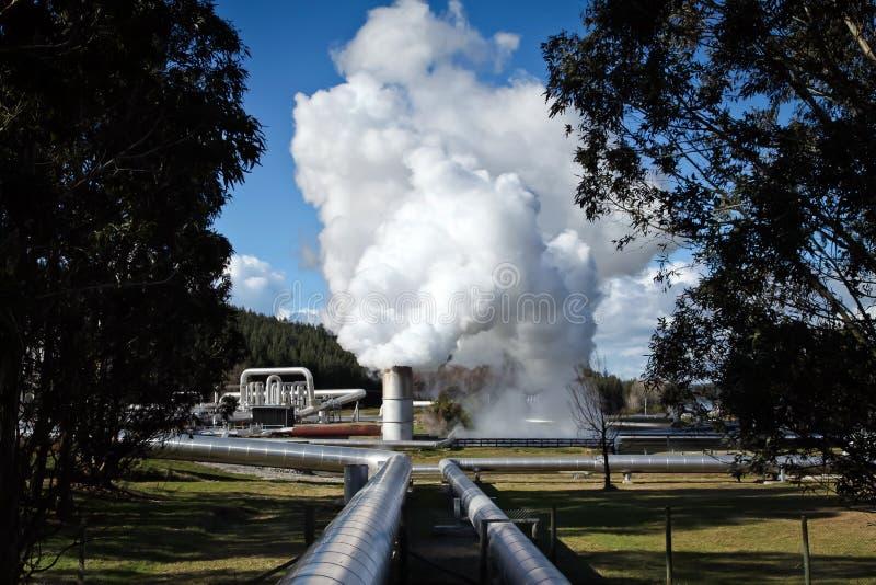Geotermicznej elektrowni Środkowa Północna wyspa Nowa Zelandia obrazy stock