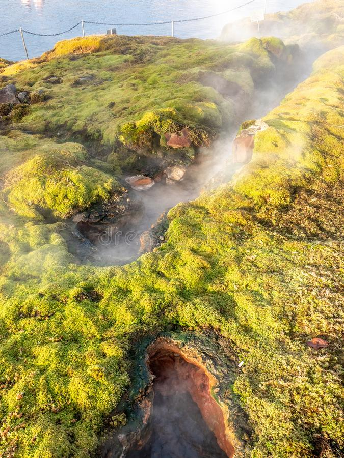 Geotermiczny gorącej wiosny basen w Iceland fotografia stock