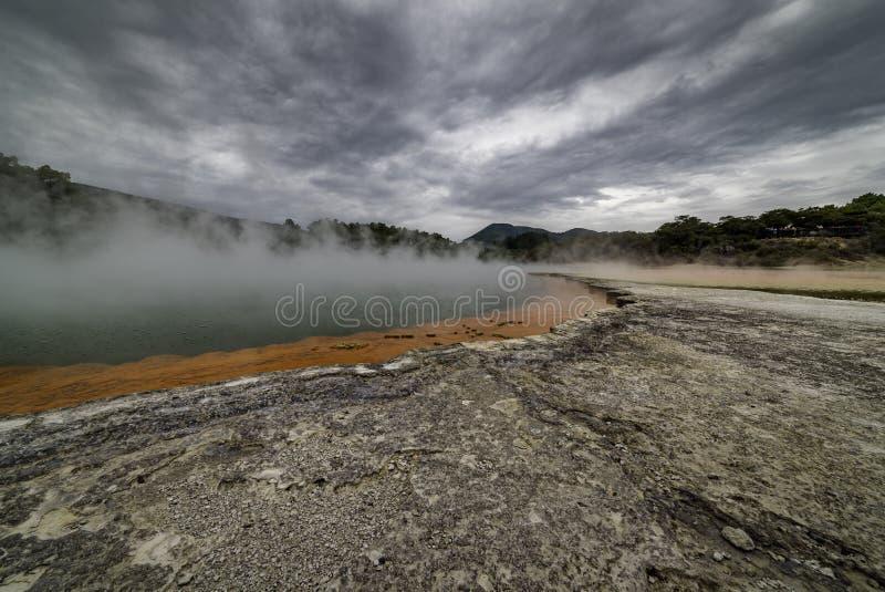 Geotermiczny Szampański basen Waiotapu Nowa Zelandia zdjęcia royalty free
