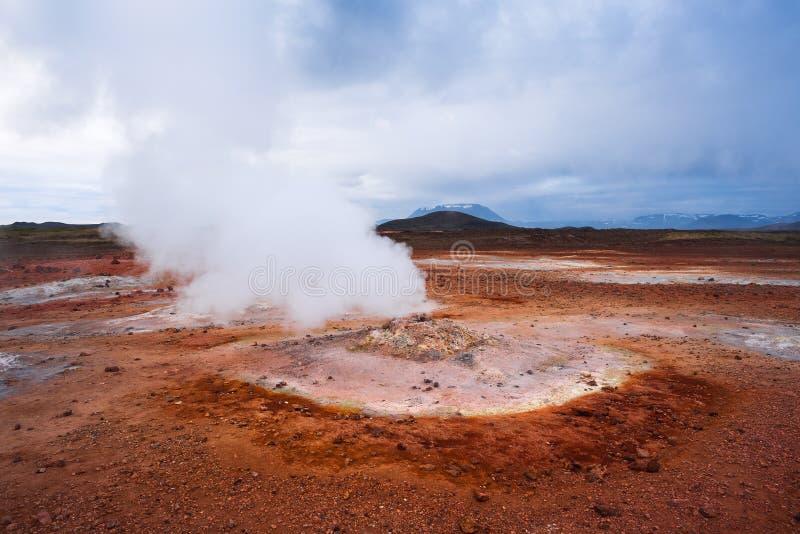 Geotermiczny teren Hverir z parowymi erupcjami, Iceland, Europa zdjęcie royalty free