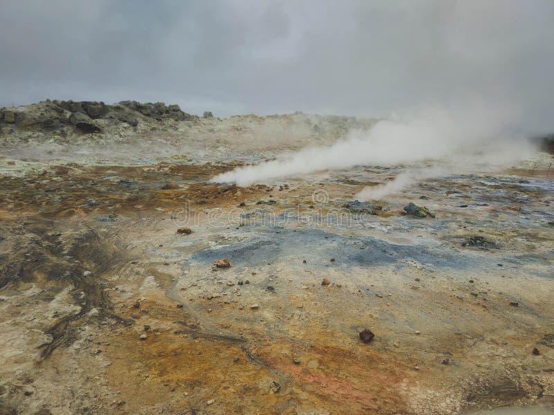 Geotermiczny teren przy Hverir w północy Iceland obrazy stock