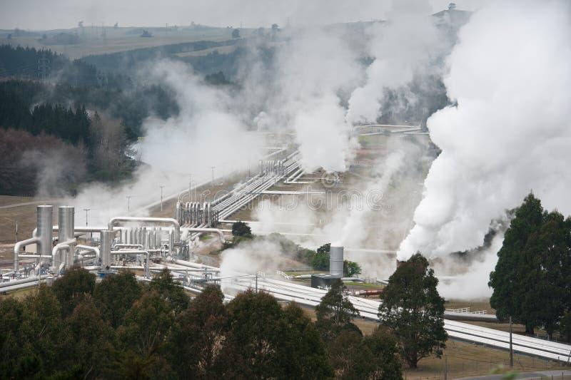 Geotermisk kraftgenerering arkivbild