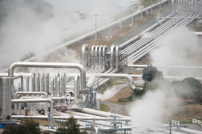 Geotermisk kraftgenerering fotografering för bildbyråer