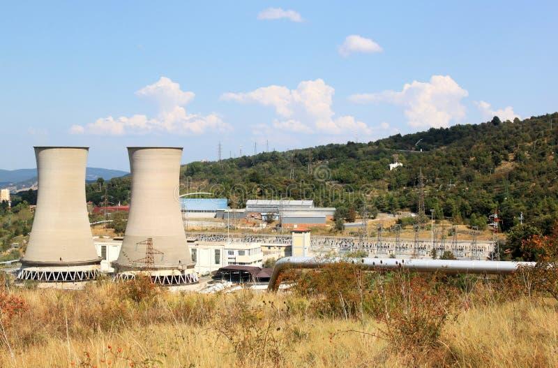 Geotermiskt driva produktionen i italienska Larderello arkivfoto
